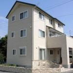 昭和建設施工例2006年!3階建て二世帯同居は2階が共用のLDK